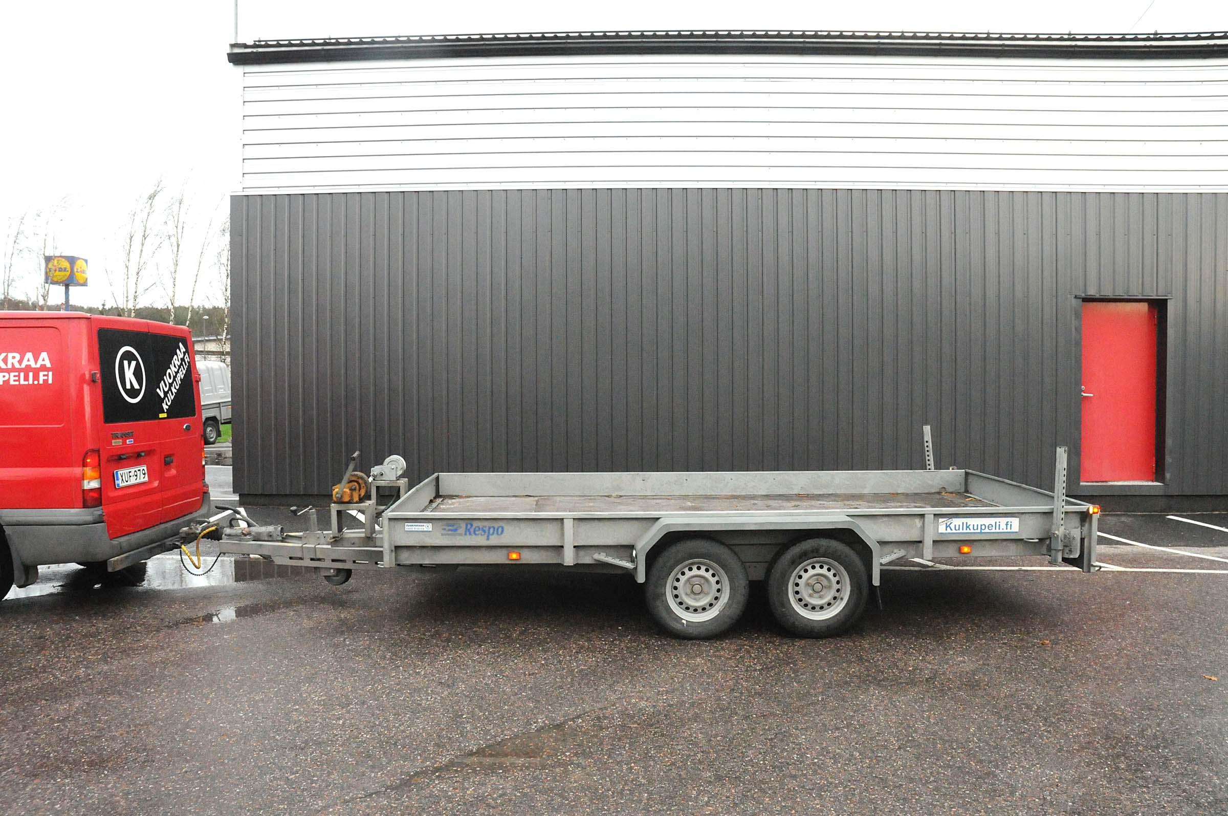 Autotraileri, DFJ-379 2675kg E- luokan ajokortti