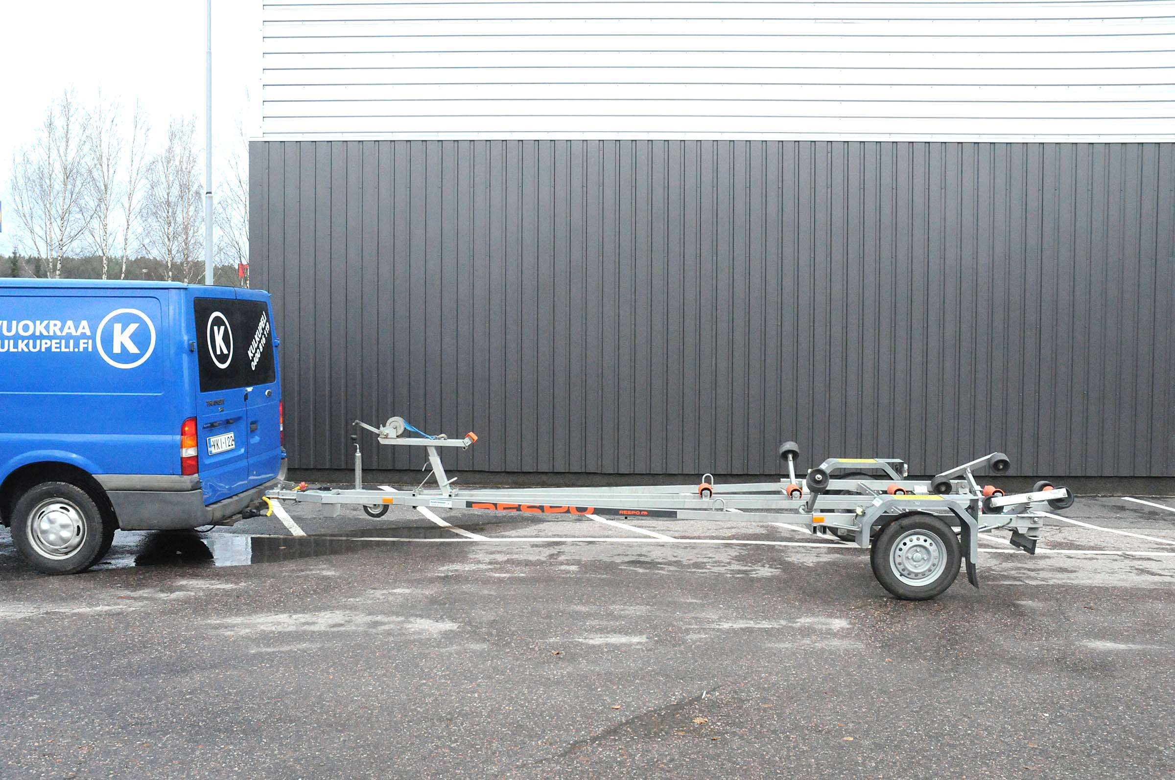 Kevytvenetraileri, 750kg, DKF-956